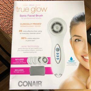 Conair True Glow facial brush
